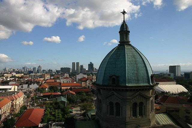 Die philippinische Hauptstadt Manila von der Kathedrale von Manila aus gesehen