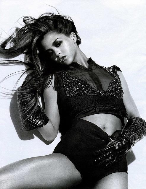 Das schöne Top-Model Devon Aoki