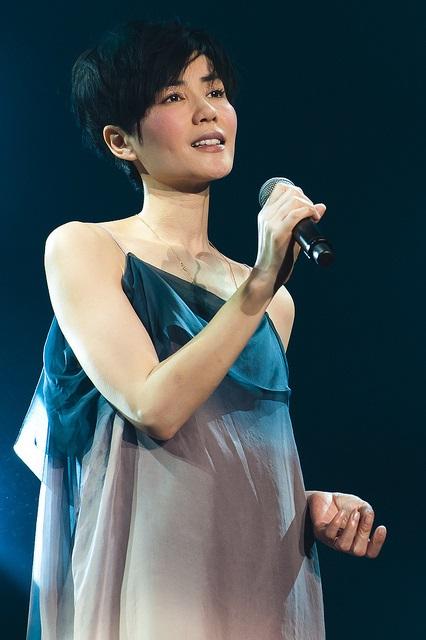 Die bezaubernde chinesische Sängerin Faye Wong