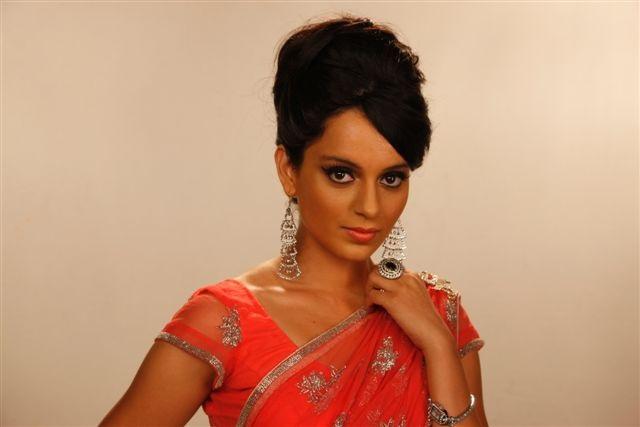 Die schöne indische Schauspielerin Kangana Ranaut in traditionellem Gewand